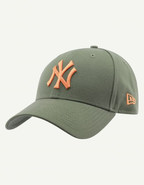 League Essential 9 Forty New York Yankees Nov
